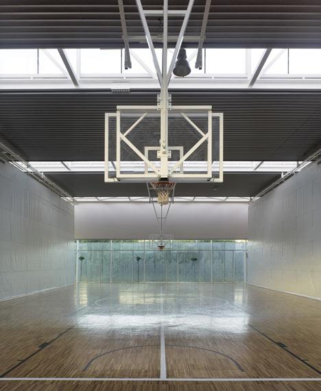 Pazo dos Deportes de Arteixo by José Ramón Garitaonaindía de Vera