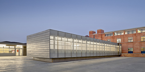 Roses IES Cap Norfeu extension by Javier de las Heras Solé and Bosch Tarrús