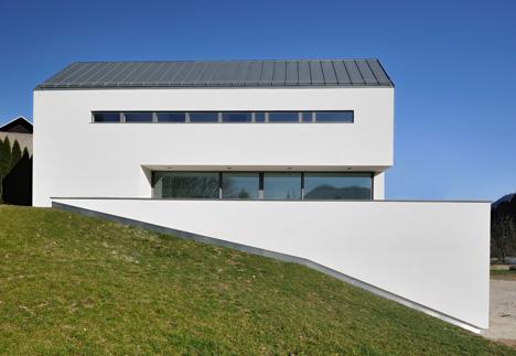 Private house Suha by Arhitektura d.o.o