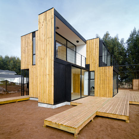 Sip panel house by alejandro soffia and gabriel rudolphy for Building a house with sip panels