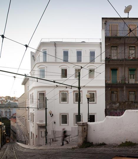 Building rehabilitation in Calçada do Lavra by Jorge Mealha Arquitecto