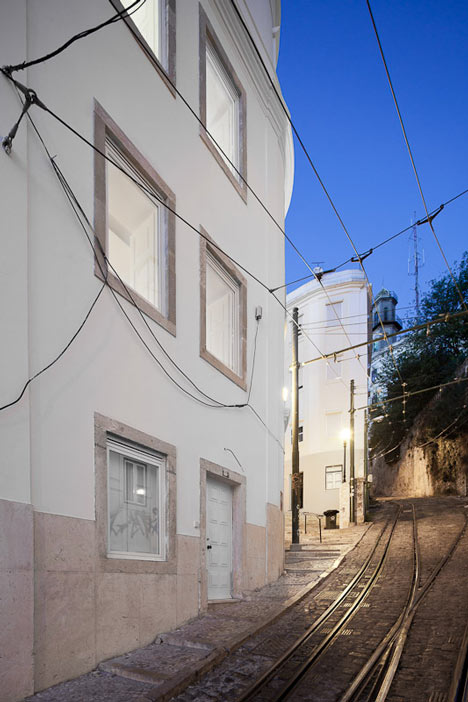 Building rehabilitation in Calçada do Lavra by Jorge Mealha Arquitecto