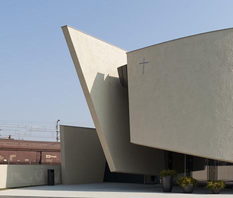 Chapel of Rest in Graz by Hofrichter-Ritter Architekten