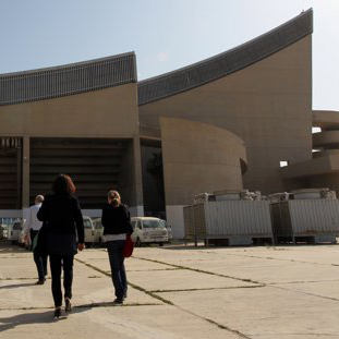 """Iraq aims to revive Baghdad's 'lost' Le Corbusier building"" - Yahoo! News"