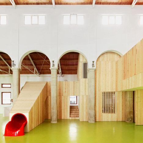 Centro Infantil del Mercado by Miquel Mariné Núñez and César Rueda Boné