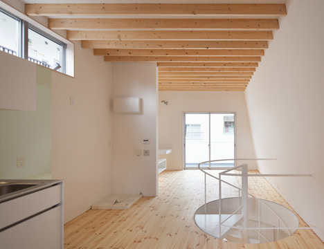 House in Motoyawata by Naya Architects