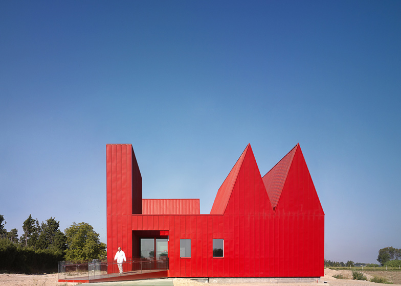 The differently pitched roofs of this psychiatric centre in Zaragoza point to how much mental activity occurs in each room