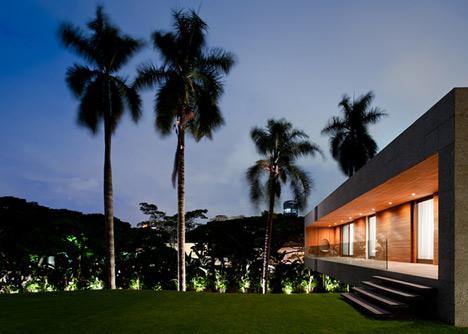 Casa Grecia by Isay Weinfeld