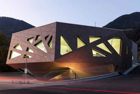 Community Center in Tyrol by Machné Architekten
