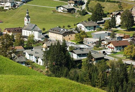 Community Center in Tyrol by Machné Architekten