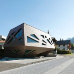 Community Centre in Tyrol by Machné Architekten