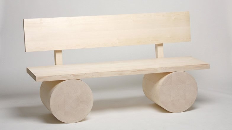 Holzbank by Thomas Schnur