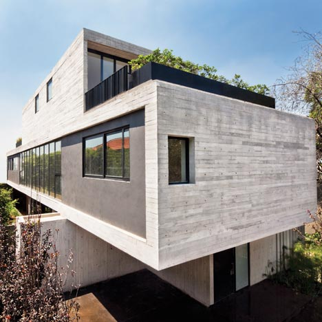 Maruma House by<br /> Fernanda Canales
