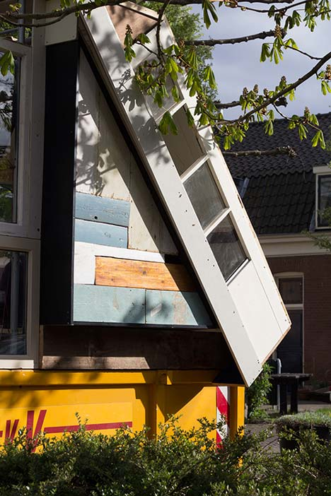 dezeen Straatlokaal by Rikkert Paauw and Jet van Zwieten 6 Летнее кафе из ненужных материалов. + много фото. svoimi rukami publichnyie mesta %d0%bc%d0%b5%d0%b1%d0%b5%d0%bb%d1%8c gorodskoy dizayn