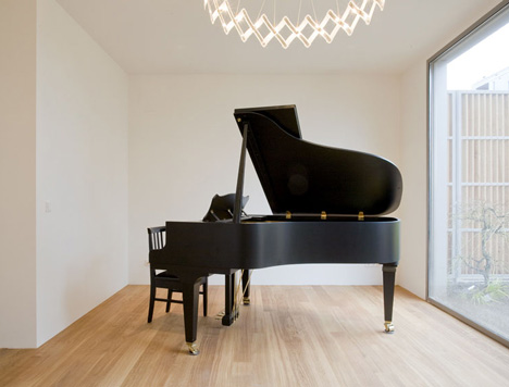 V12K0709 Piano House by Pasel Kuenzel Architects