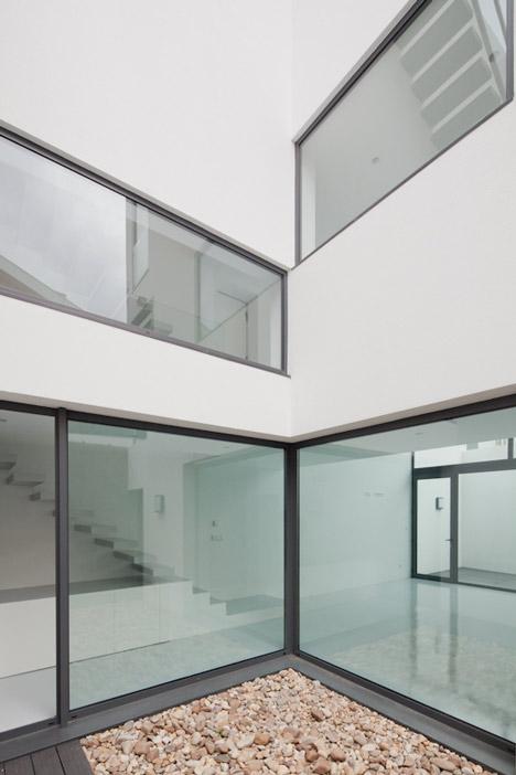 Casa DJ by [i]da Arquitectos