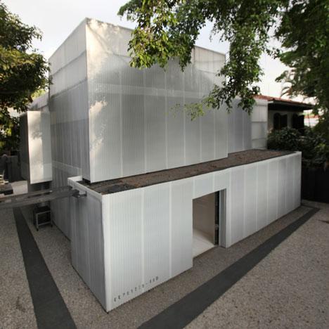 Building Tilelamp at Casa do Lado by 20.87