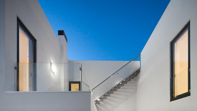 Casa DJ by ida Arquitectos