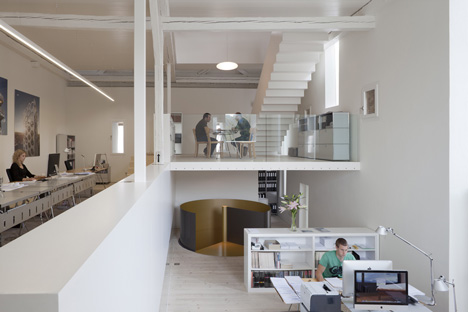 Kirchplatz Office and Residence by Oppenheim and Huesler Architekten