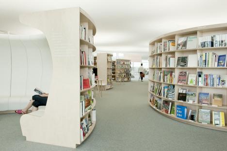 Librairie La Fontaine by Kawamura-Ganjavian