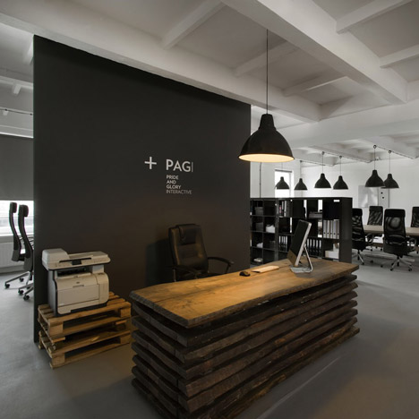 dezeen_Pride And Glory Interactive by Morpho Studio_4sq