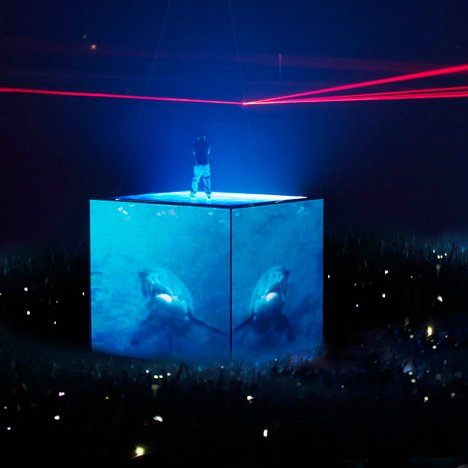 Es Devlin designs closing ceremony set for London 2012 Olympics