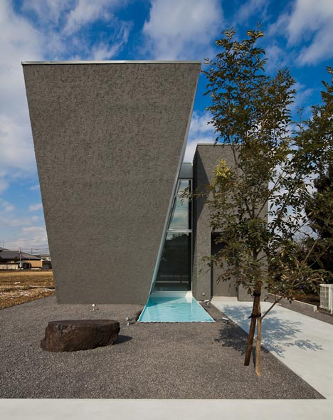 Ginan House by Keitaro Muto Architects
