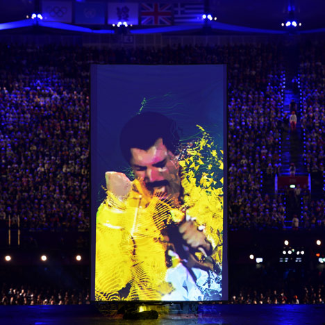 Pixel animations at London 2012 Olympic closing ceremony by Crystal CG
