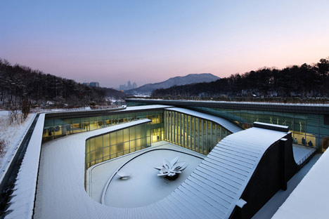 Seoul Memorial Park by HAEAHN Architecture