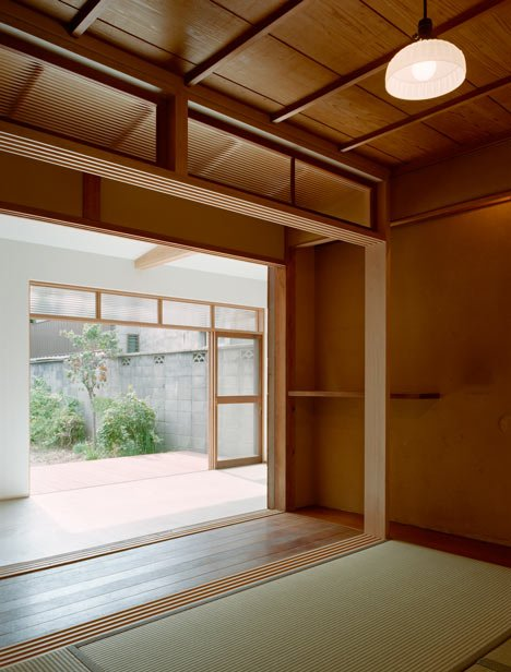 Timeline Machiya by Q-Architecture Laboratory