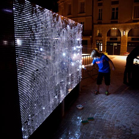 Water Light Graffiti by Antonin Forneau for DigitalArti Artlab