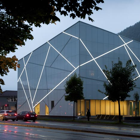 Sogn & Fjordane Kunstmuseum by CF Møller Architects
