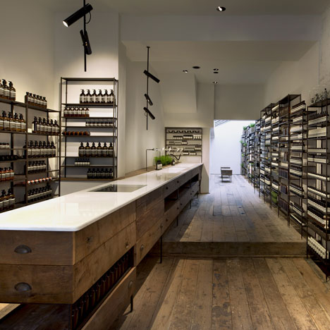 dezeen_Aesop Islington by Cigue_1sq