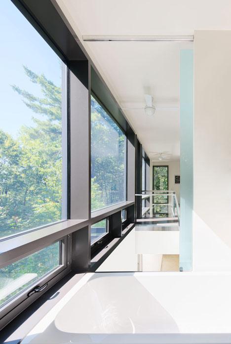 Chelsea Hill House by Kariouk Associates