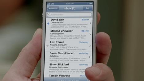 Dezeen features in Apple's iPhone 5 launch