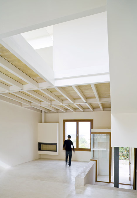 Ferriol House by Ripolltizon