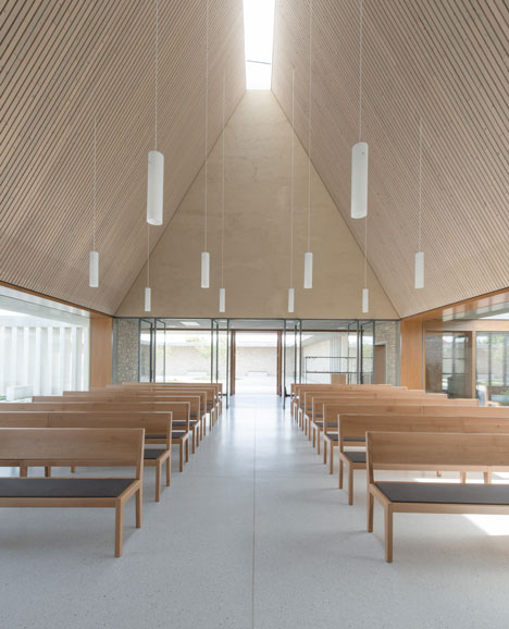 Funeral Chapel in Ingelheim Frei-Weinheim by Bayer & Strobel Architekten