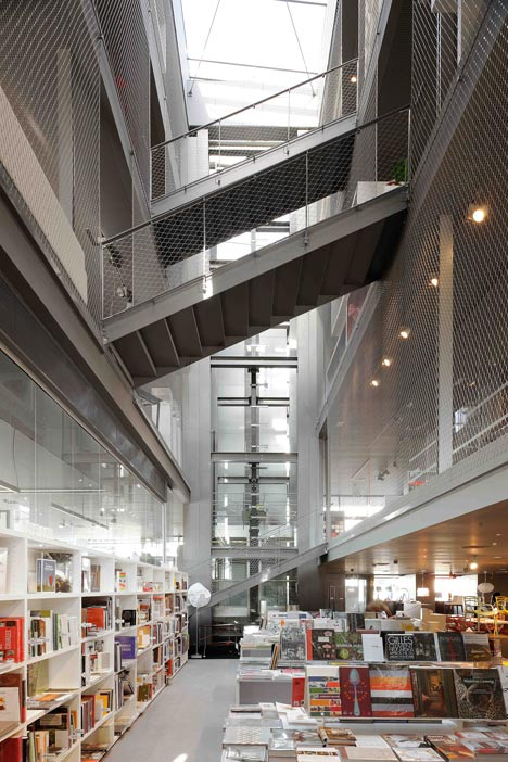 Rbc design centre montpellier by jean nouvel for Montpellier architecture
