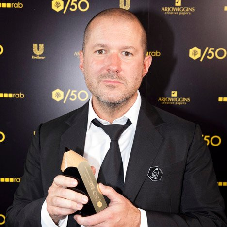 Sir Jonathan Ive collects Apple D&AD award