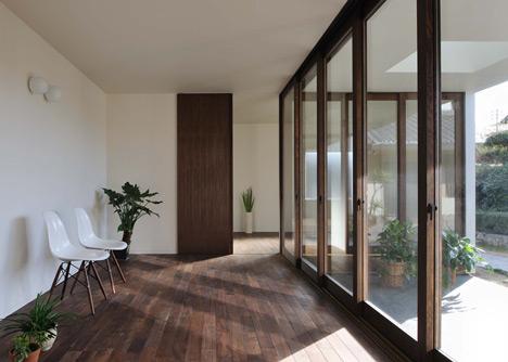 Sunset Villa by TT Architects