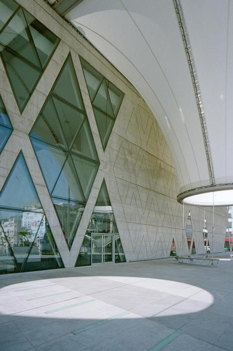 Dadong Art Centre by MAYU Architects