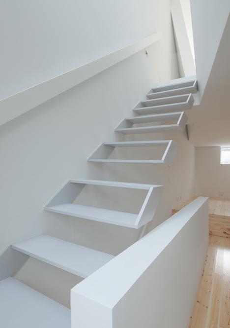 House in Tamatsu by Ido Kenji Architectural Studio