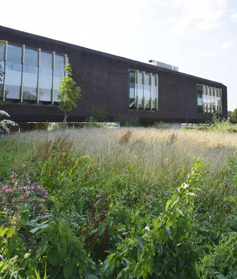 Marne-la-Vallée Central University Library by Beckmann-N'Thépé Architectes