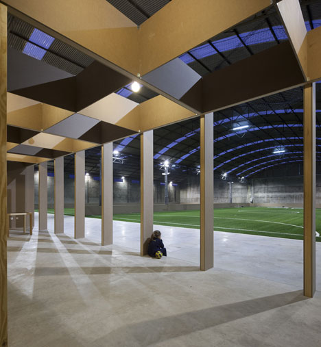 N10 Sports facility by Comoco