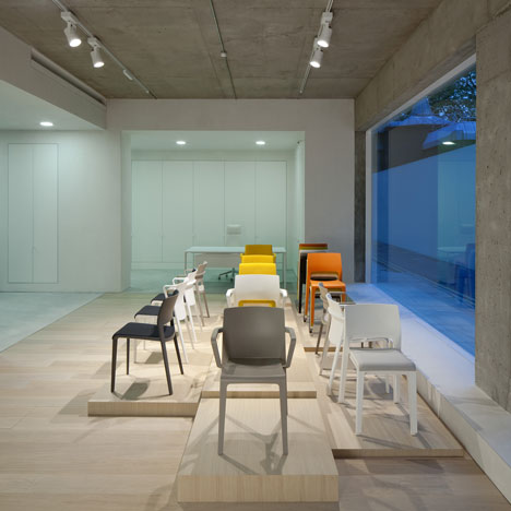 Arper showcases Saya and Juno chairs at new London showroom