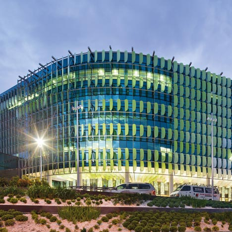 dezeen_Royal Childrens Hospital by Billard Leece Partnership and Bates Smart_1sq