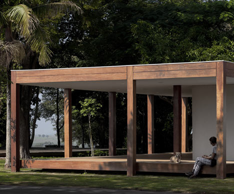 Fazenda Boa Vista Golf Clubhouse by Isay Weinfield