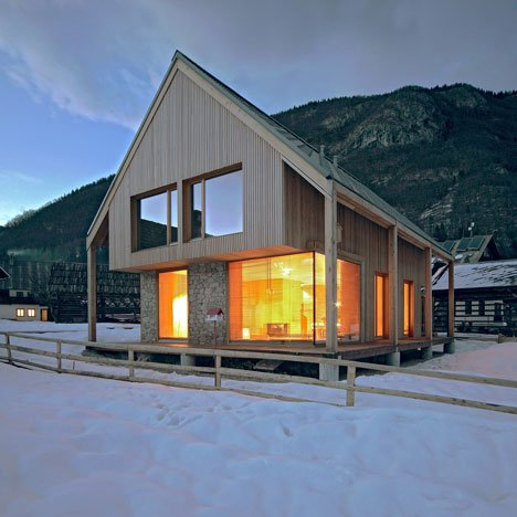 Movie 6 11 alpine hut by ofis arhitekti for Alpine home designs