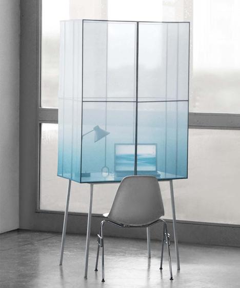 Fading Desk by Thijmen van der Steen