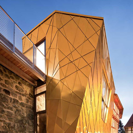 dezeen_Museum of Historical Marksmanship by Gnadinger Architekten_a